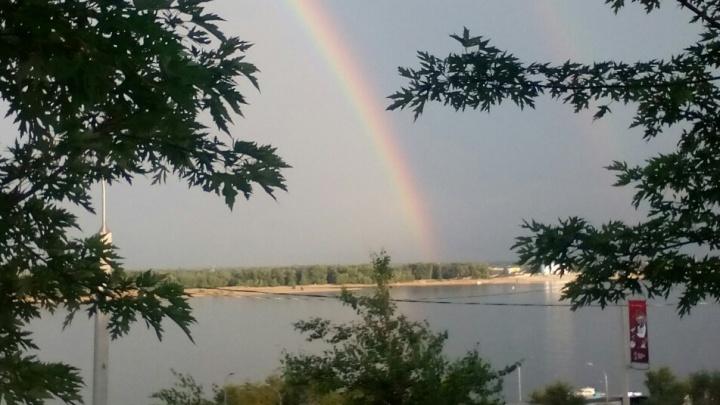 Волгоградцы показали захватывающие кадры двойной радуги