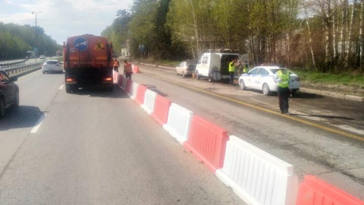 Водители встали в пробки из-за пунктов стоп-контроля, которые появились на въезде в Екатеринбург