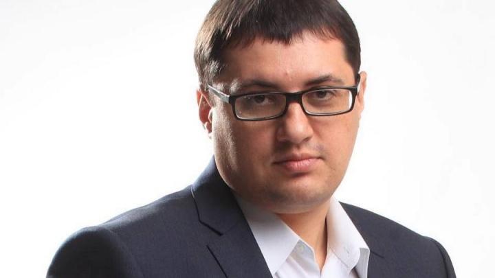 Компания сына депутата Госдумы оказалась в центре скандала с наружной рекламой по городу
