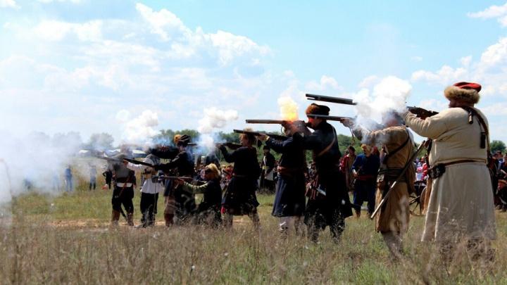 Битва за вал и «Средневековая дичь»: реконструкторы со всей России готовятся к бою под Волгоградом
