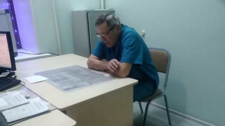 В Омске дежурный травматолог пришёл на работу выпившим и заявил, что уходит из медицины