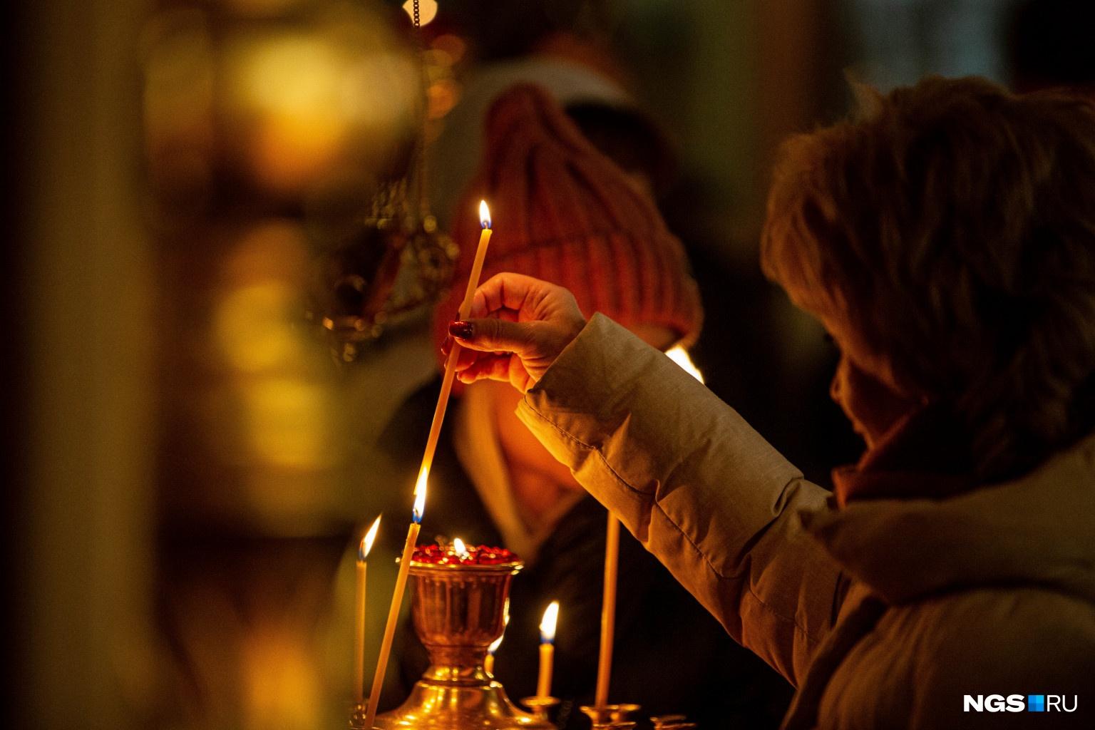 Сегодня верующие вспоминают, как Иисус Христос пришёл в этот мир