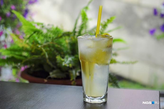 Вода с лимоном — это просто вода с лимоном. Но и в ней есть толк