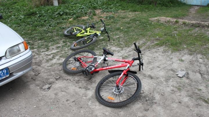 В Прикамье поймали 18-летних подростков, которые укатили пять велосипедов из кладовки жилого дома