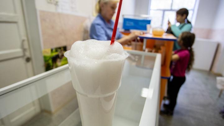 Деньги за воздух: кто и зачем кормит детей кислородными коктейлями в школах и садиках Челябинска