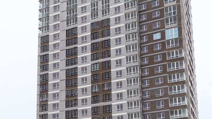 «Синара-Девелопмент» ввела в эксплуатацию новый жилой комплекс комфорт-класса «Романовъ»