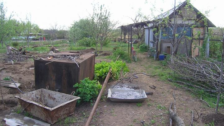«Рядом с Андреем Бочаровым»: в Волгограде 57 домов остались без света из-за конфликта садоводов