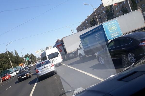 Машины столкнулись на пересечении Чебышева и Второй Продольной