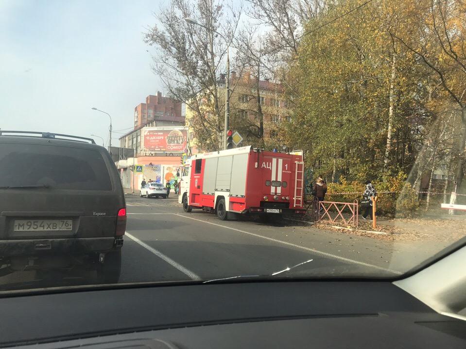Спасатели частично перекрыли улицу Володарского