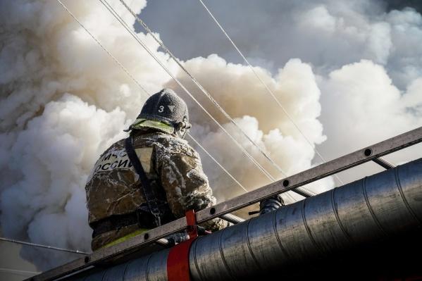 От огня пострадала только одна половина дома