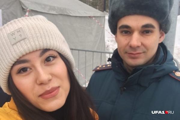 Помогает Гульдар вести стрим руководитель пресс-службы МЧС по Башкирии Алик Шарафутдинов