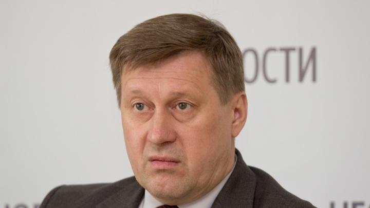 Заработал даже меньше: мэр Новосибирска отчитался о доходах