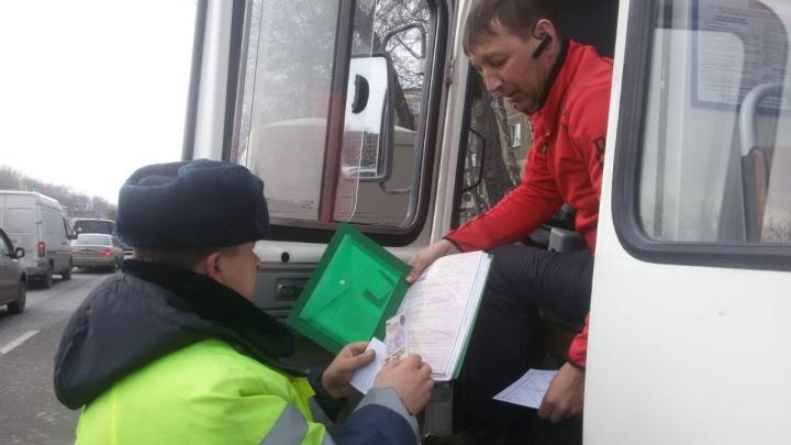 Рассыпались на ходу: ГИБДД сняла с линии два автобуса