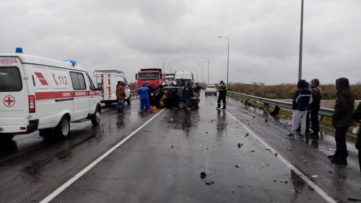 В Ростовской области в ДТП пострадали четыре человека. Среди них 10-летний ребенок