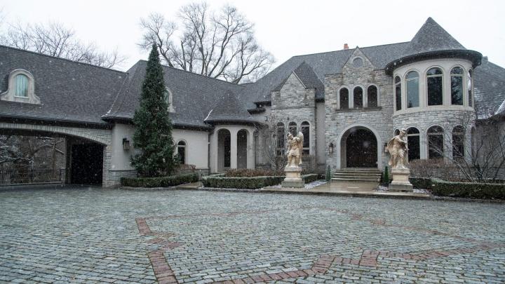 Нападающий «Автомобилиста» Павел Дацюк продает свой дом-замок в Мичигане за 4,5 миллиона долларов