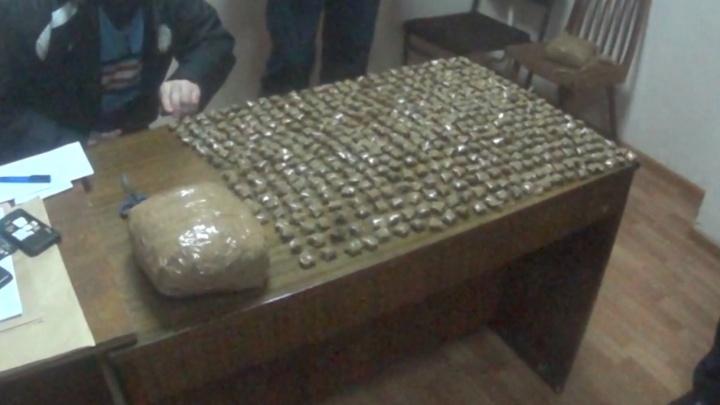 В Ярославской области поймали наркобарона с 14 килограммами запрещённых веществ и арсеналом оружия