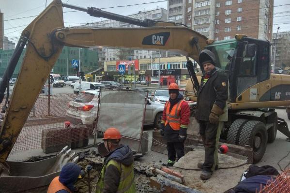 Из-за дефекта теплотрассы в тоннель метро попала вода