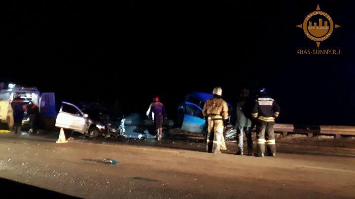 Жуткая авария на выезде из «Солнечного»: в изувеченном авто погибла учительница, ее дочь в больнице
