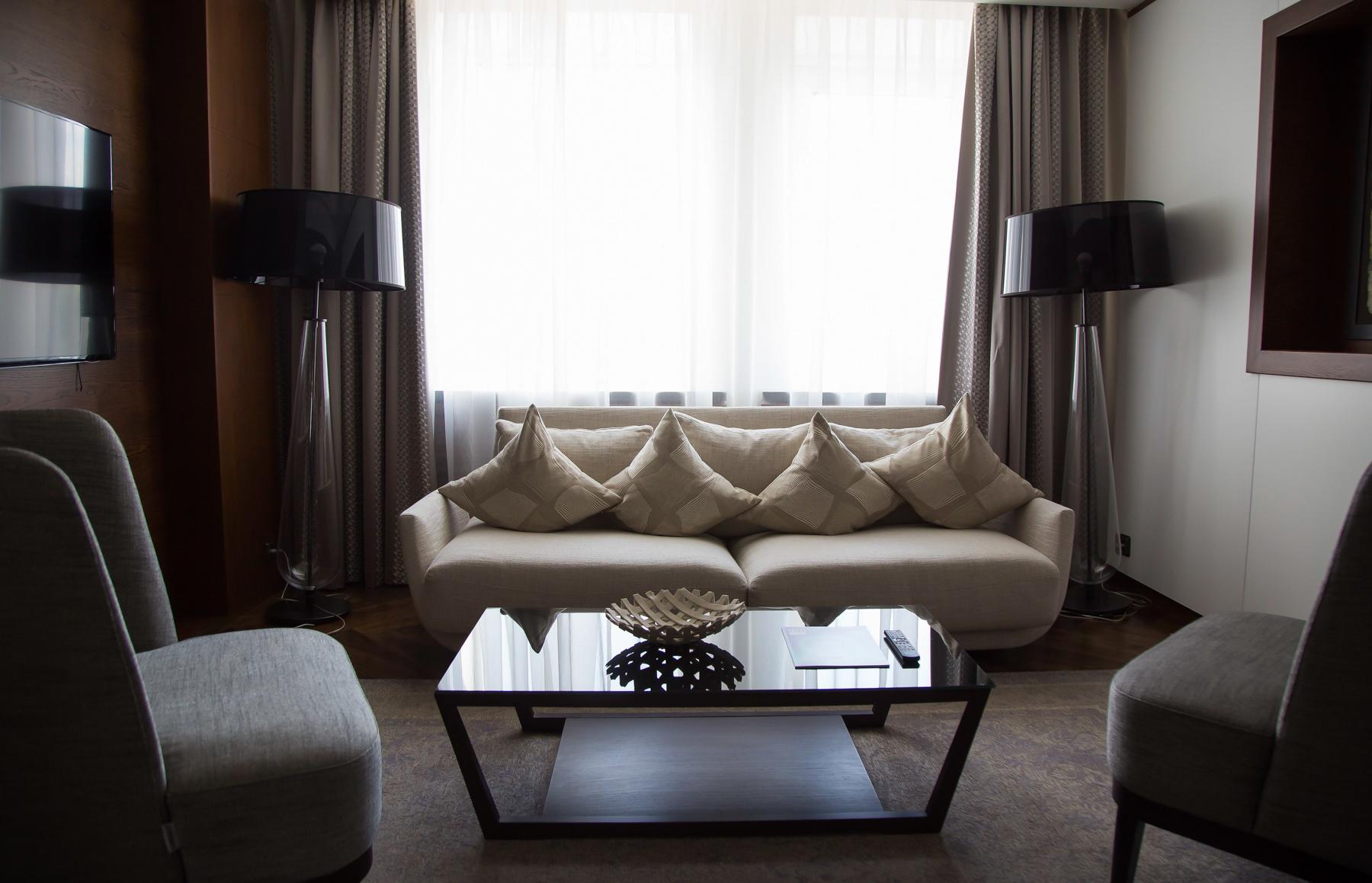 ВSheraton Ufa Hotel один президентский номер, во время саммита в нём жил президент Индии