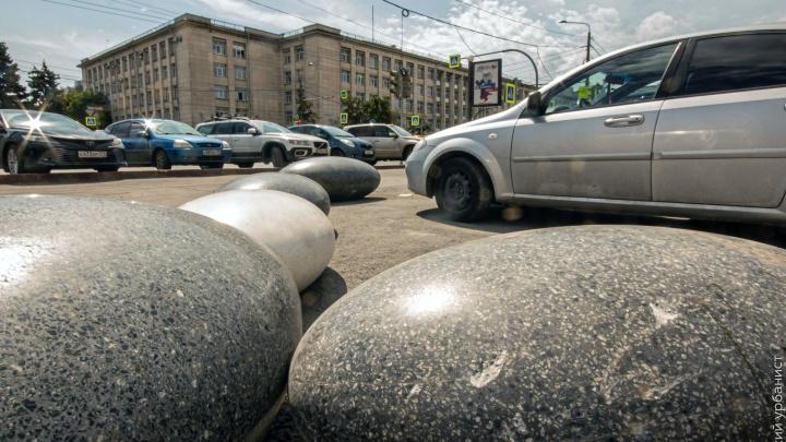«Чуда не произошло»: возле ЮУрГУ из-за раскопок коммунальщиков уберут декоративные камни урбанистов