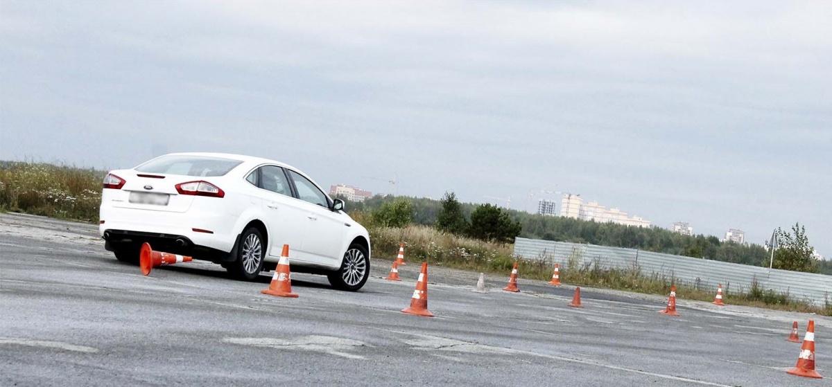 Опытных водителей и новичков научат экстремальному вождению за три часа