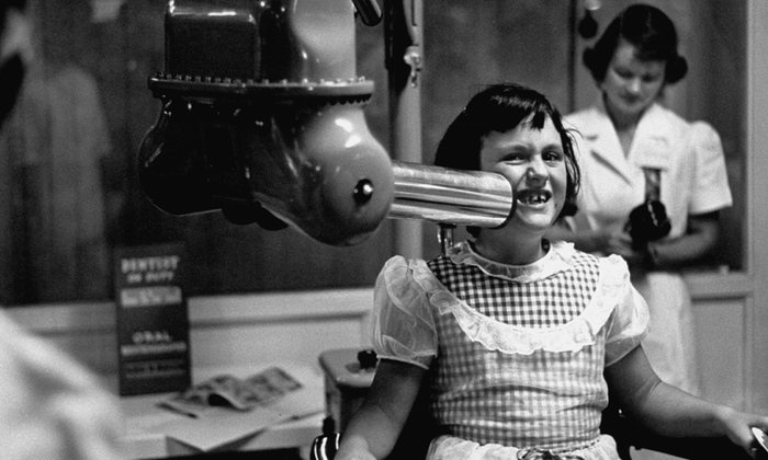 «Продайте ваш зуб»: шокирующие факты о стоматологии ХХ века в проекте «Талон в прошлое»