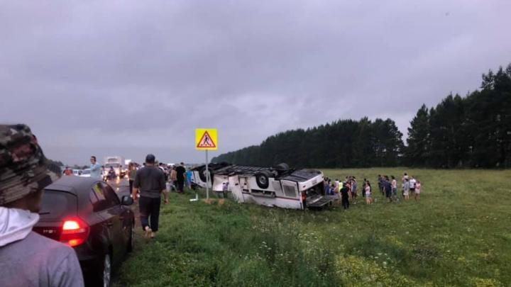 «Окна раздавило до основания»: очевидцы — о первых минутах после ДТП с автобусом из Татарстана