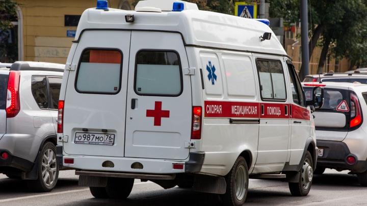 «Да он рванул на дорогу»: в Рыбинске на оживлённой дороге сбили ребёнка