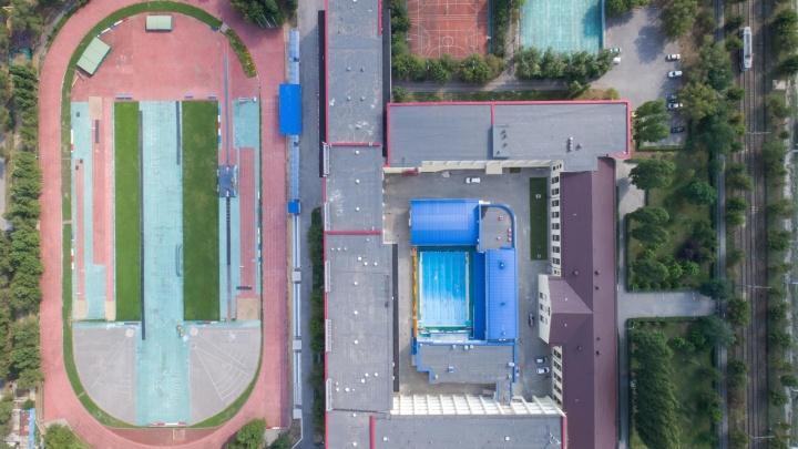 Вместо теннисных кортов: в физакадемии Волгограда начали строительство нового корпуса для тренировок