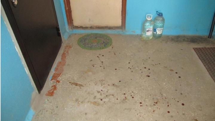 В Кургане женщина вернулась с работы и обнаружила в квартире труп знакомого