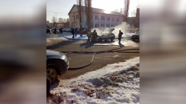 В Башкирии на ходу загорелась машина