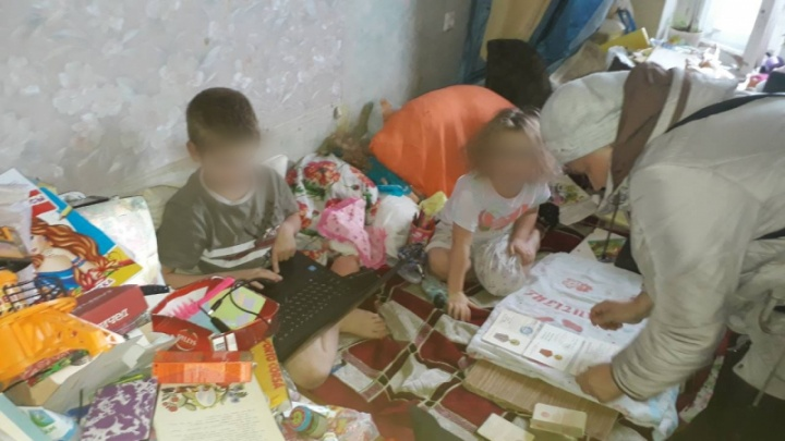 Знакомые помогли матери-одиночке вернуть из приюта детей, просто убравшись в её квартире