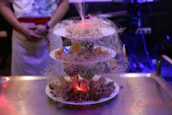 По китайским традициям, день рождения кафе, который выпадает на День города, будет праздноваться не один день, а три