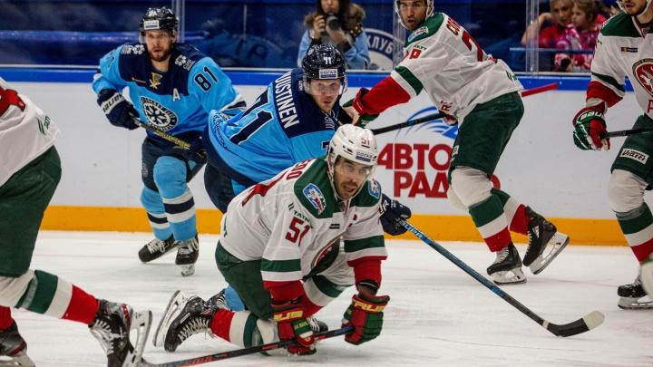 Хоккей:«Сибирь» разгромила казанский«Ак Барс»