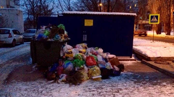 «Даже не отвечают на звонки»: коммунальщики Волгограда решили судиться с новым регоператором