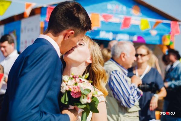 В прошлом году на«Свадебном пире» было шумно и красиво