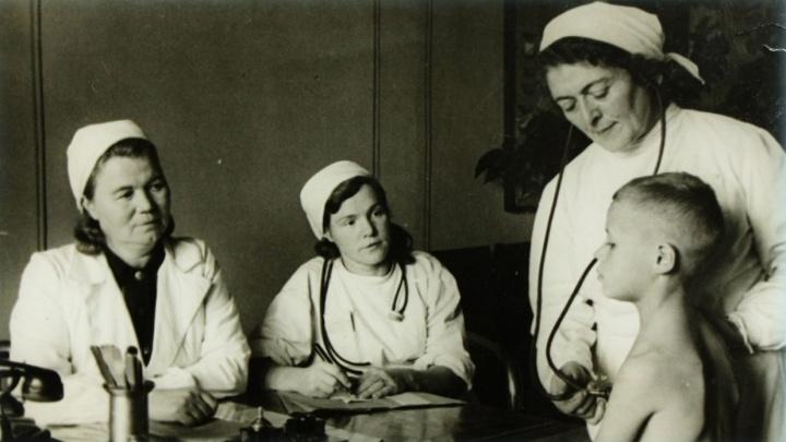 На дальние вызовы врачи ездили на лошадях: история одной из старейших больниц Екатеринбурга
