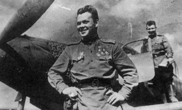 Лётчик Речкалов — дважды Герой Советского Союза