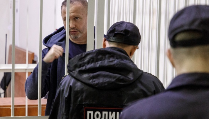 Бывшему депутату Волгограда разрешили звонить жене и лишний час ходить по магазинам и больницам
