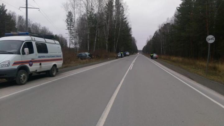 «Лексус» вылетел с дороги на Краснояровском шоссе и попал в берёзу — водитель погиб