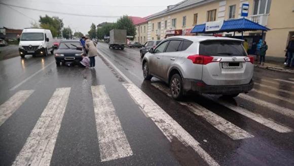 Был в неадекватном состоянии: на Урале чиновник сбил женщину и напал на сотрудника ДПС