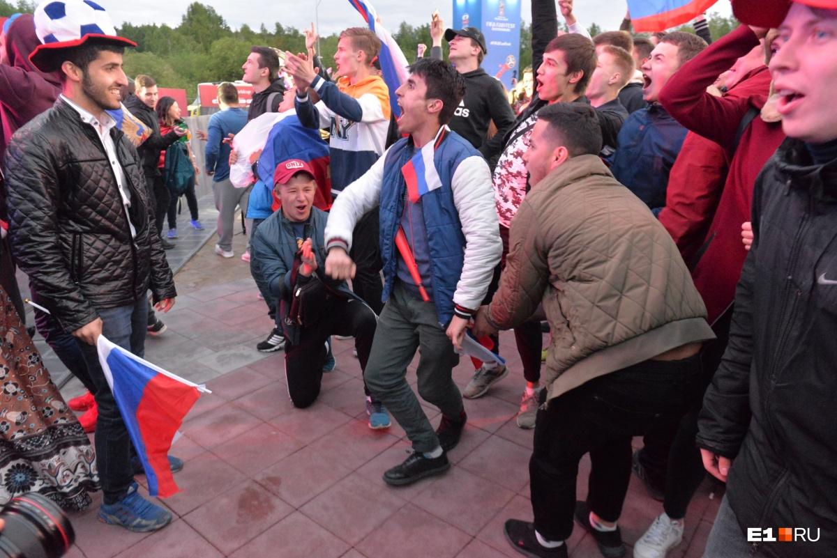 Танцы в честь победы российской сборной