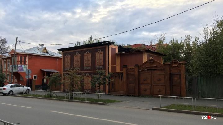 «Шума было много, а реальной помощи нет»: рассказываем о судьбе сгоревшей мастерской Шитова в Тюмени