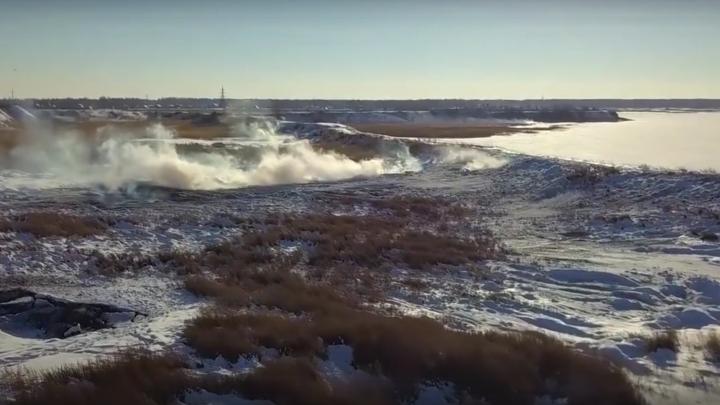 В Минэкологии выяснили причины возгорания угольной пыли на берегу озера под Челябинском