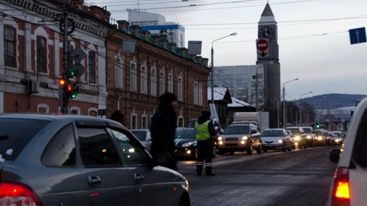 «Всё, ребята, приплыли»: пробки в 10 баллов сковали Красноярск