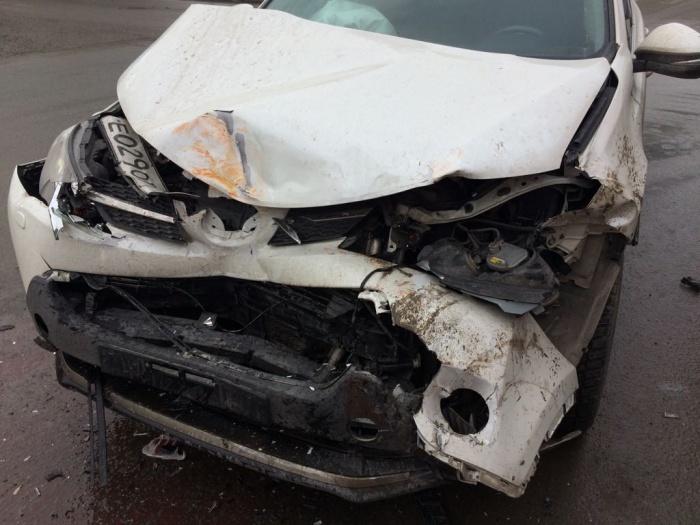 Авария произошла около 15:00