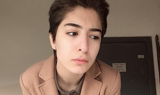 «Это всё ложь! Сейчас мама меня отцепила от цепи»: студентка с нетрадиционной ориентацией сбежала от матери