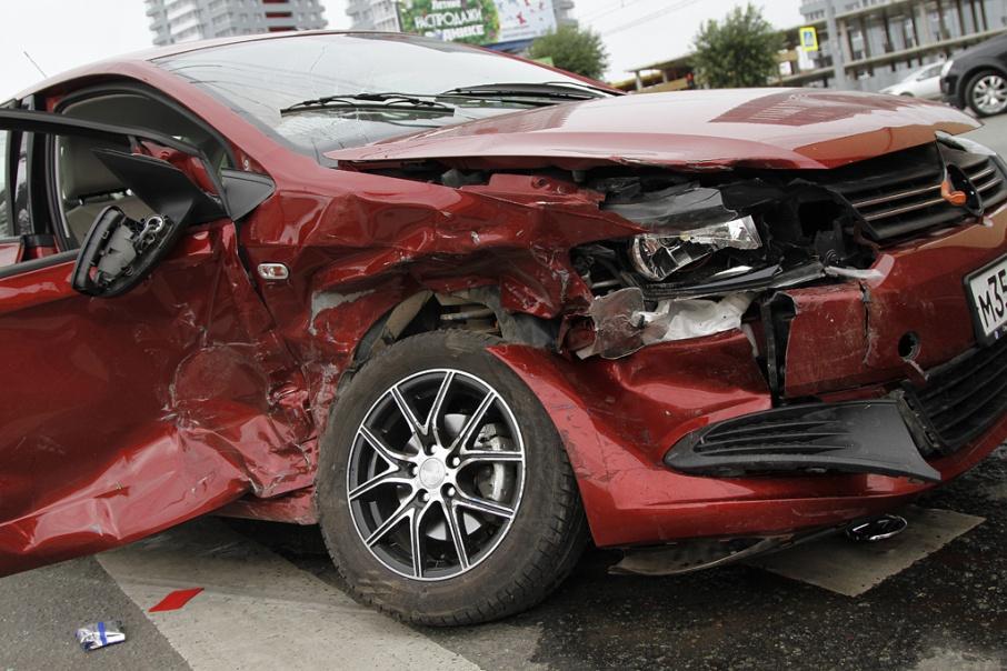 Договор ОСАГО публичный, а значит, страховые обязаны обслуживать любого автомобилиста, предоставившего необходимые документы.