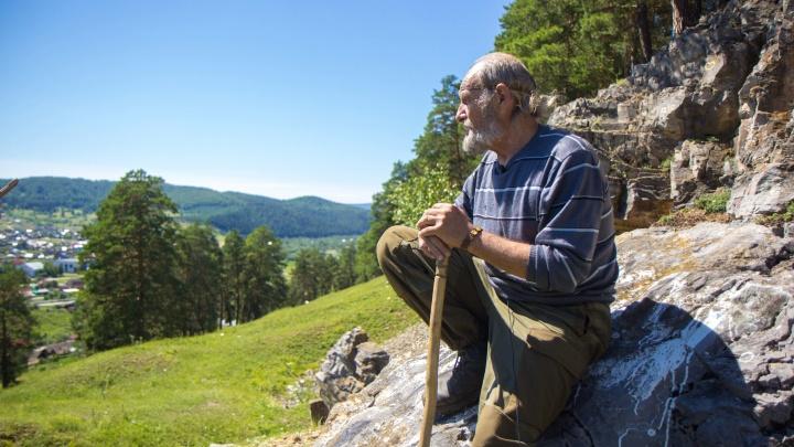 «Это место видел во снах»: житель Зеленограда пришел пешком в пещеру Победа, чтобы построить храм