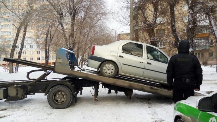 10 дней — и уйдёт с молотка: у челябинца забрали машину за долг по алиментам в 640 тысяч рублей